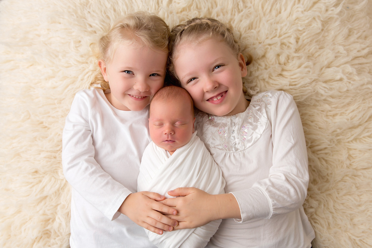 best sibling photographer for newborns brisbane