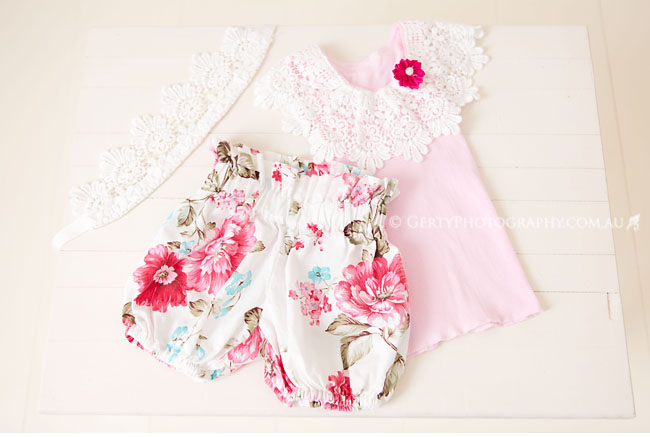 Upsy Bling bloomer sets with headband