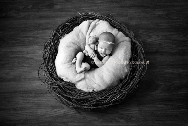 relaxed and natural black and white newborn photography