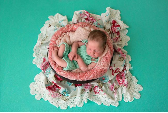 holland park newborn photographer