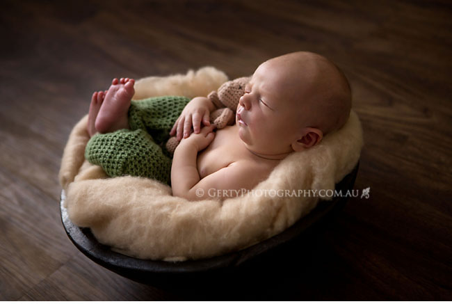 backlit newborn photography