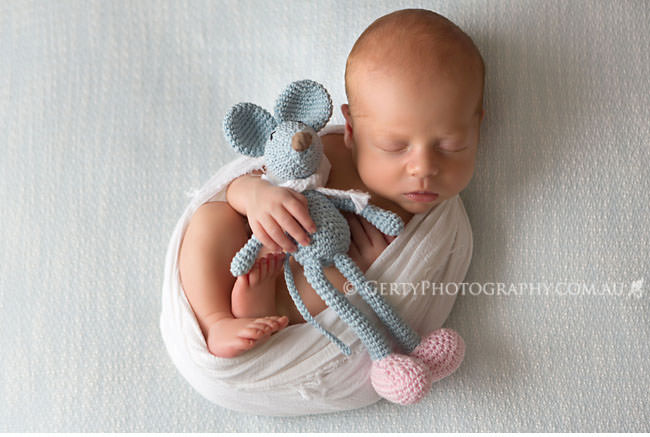 zozoo crochet and newborn portraits