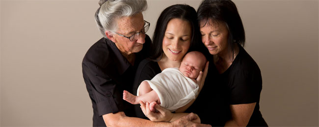 newborn-photography-four-generations.jpg
