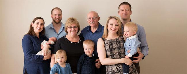 extended-family-portrait-brisbane-cover.jpg