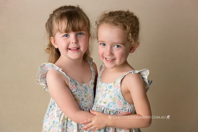 fun relaxed kids photographer brisbane