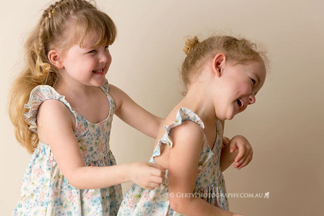 fun relaxed kids photographer brisbane
