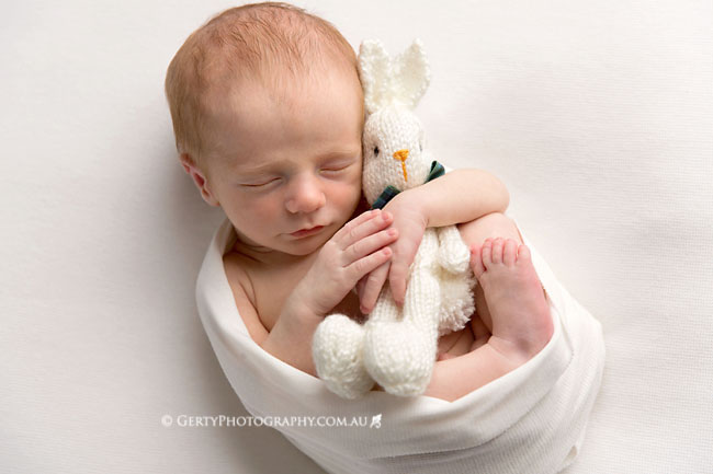 newborn photos knitted bunny