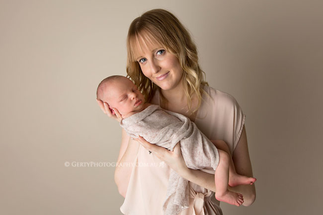 mum and baby newborn photos brisbane