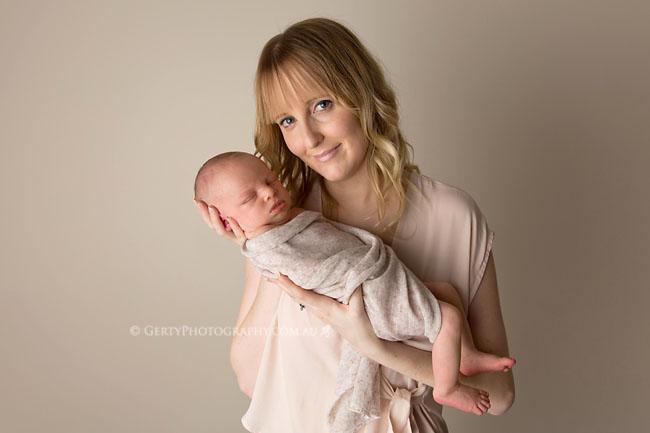 mum and baby newborn photos brisbane