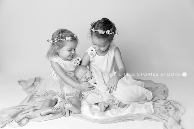 Brisbane Newborn and Sibling Photos