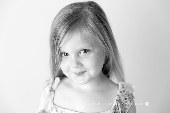sweet black and white photos brisbane studio