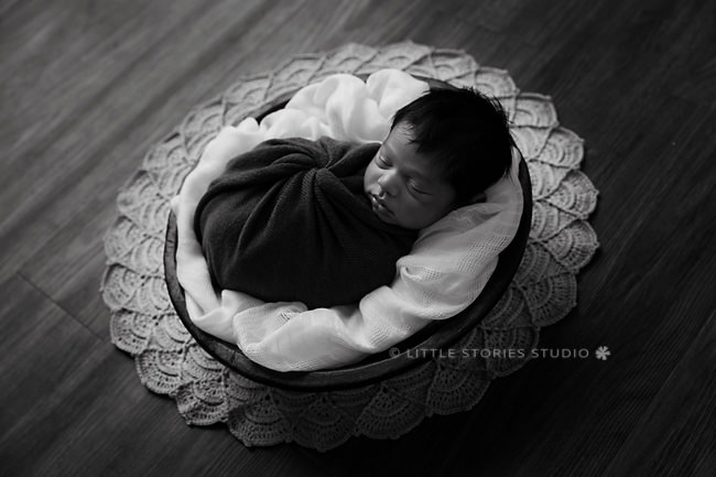 backlit crochet blanket newborn image