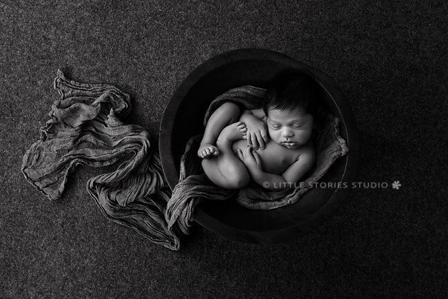 black and white newborn photography brisbane
