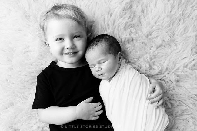 sibling newborn photographer brisbane