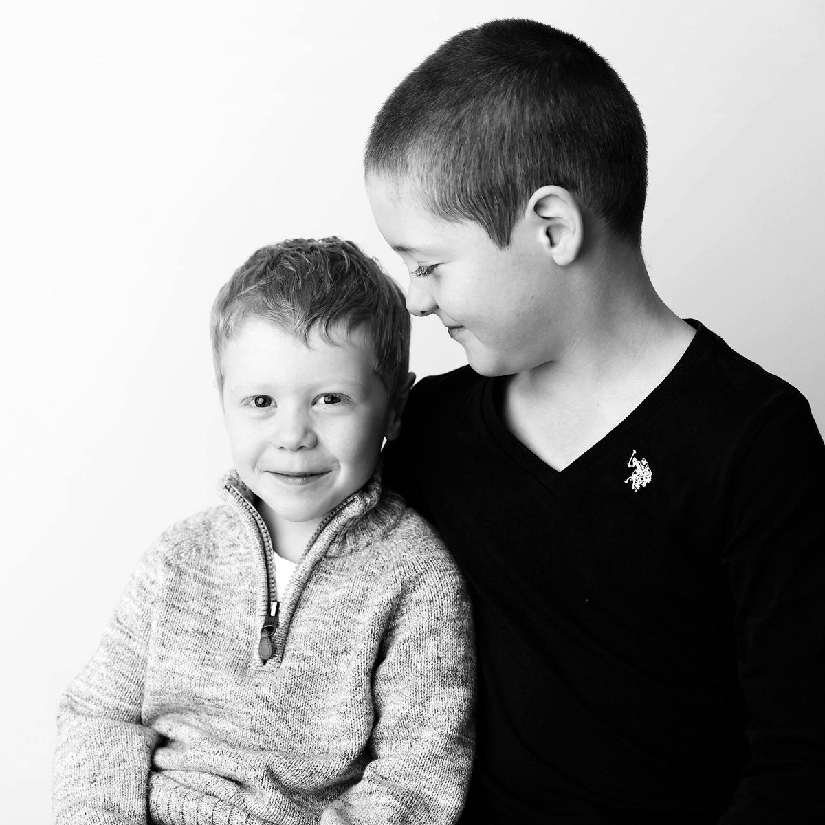 brotherly love brisbane sibling photographer
